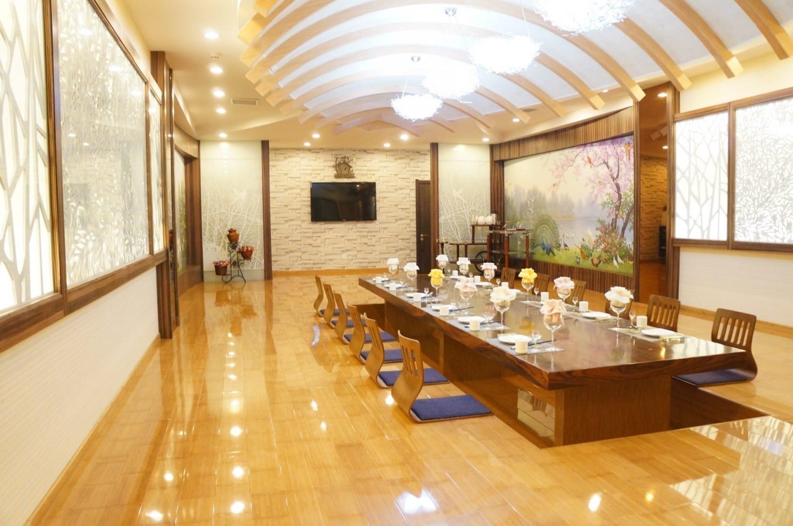 Salas de banquetes en el Complejo de Salud Haedanghwa Pyongyang Corea del Norte