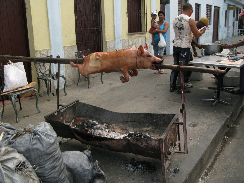 Santiago es un buen lugar para probar Lechón. Santiago de Cuba Cuba