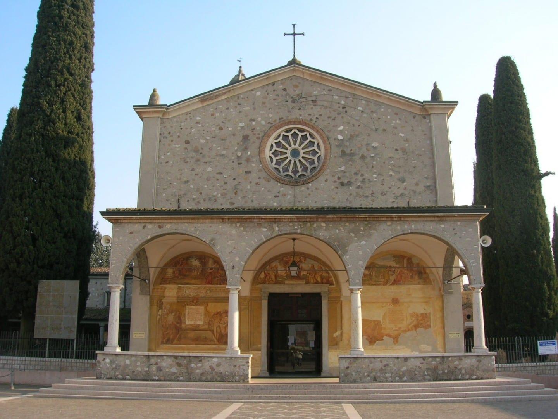 Santuario de la Virgen del Frassino Peschiera del Garda Italia