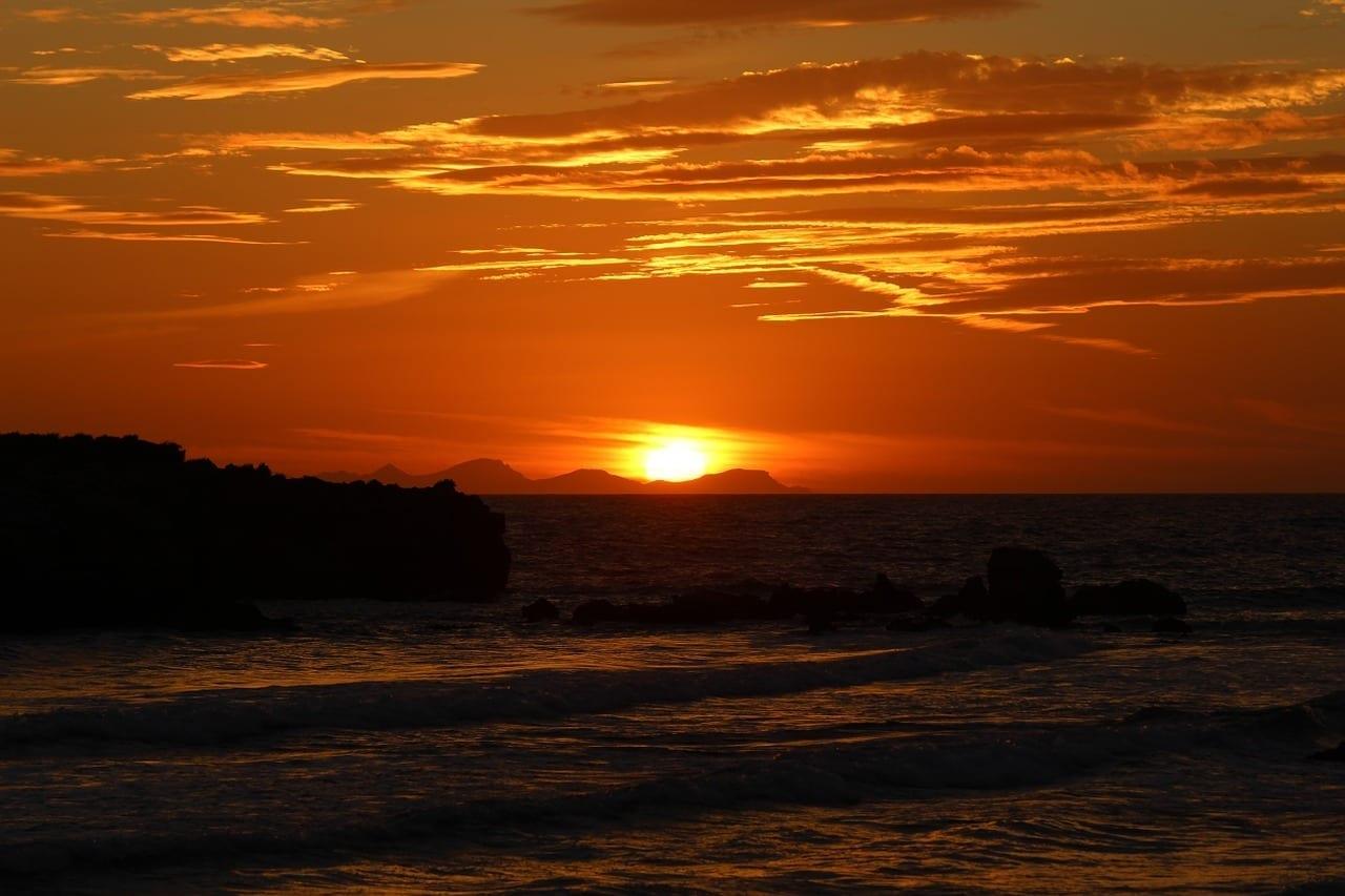 Sol Puesta De Sol Menorca España
