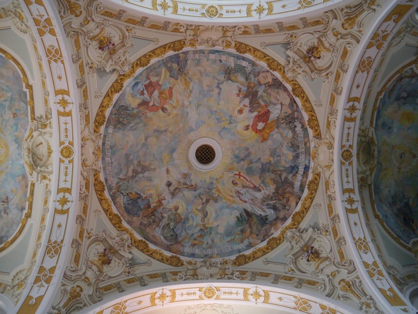 Techo de la Iglesia Dominicana de San Judas Tadeo Sopron Hungría