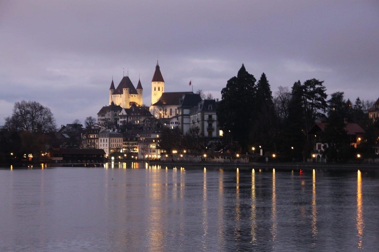 Thun Castillo Thun Lago Suiza