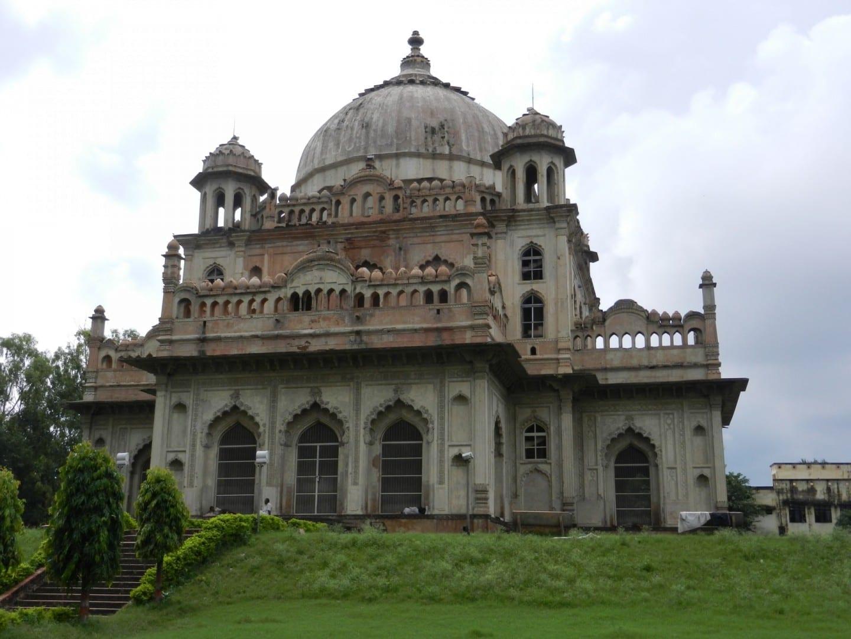 Tumba de Nawab Sadate Ali Khan Lucknow India