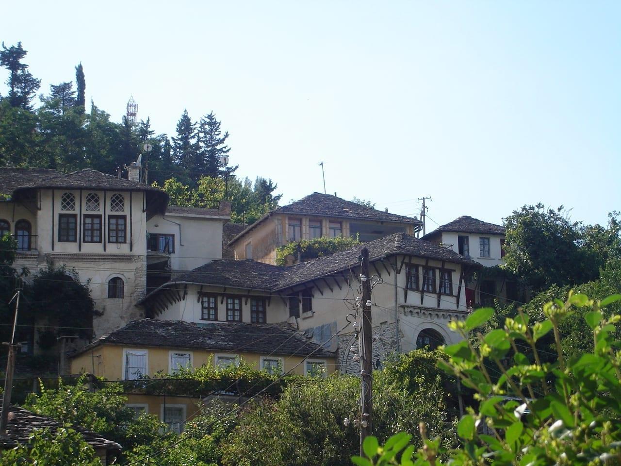 Un ejemplo de algunas de las viejas casas otomanas en Gjirokastër Gjirokastra Albania
