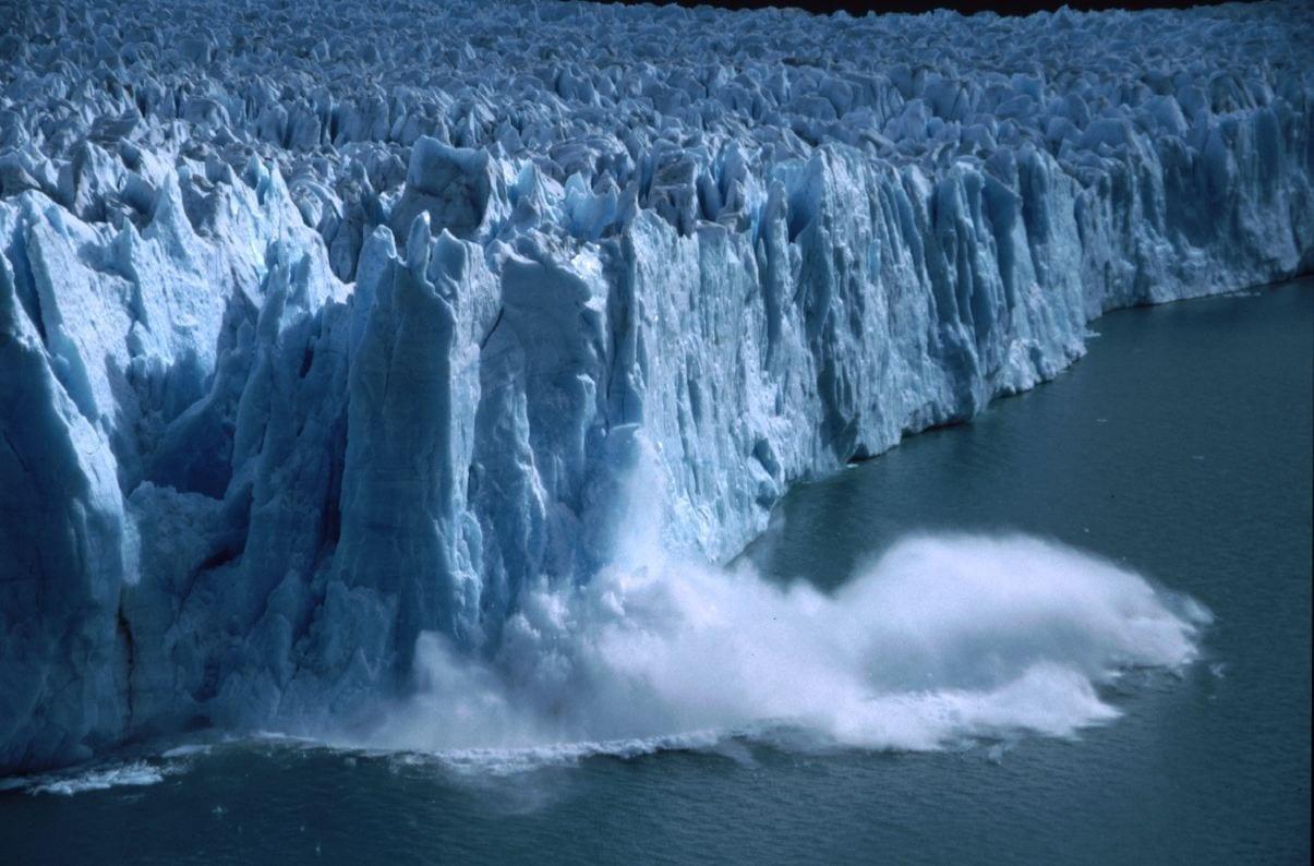 Un parto masivo del glaciar Perito Moreno. El Calafate Argentina
