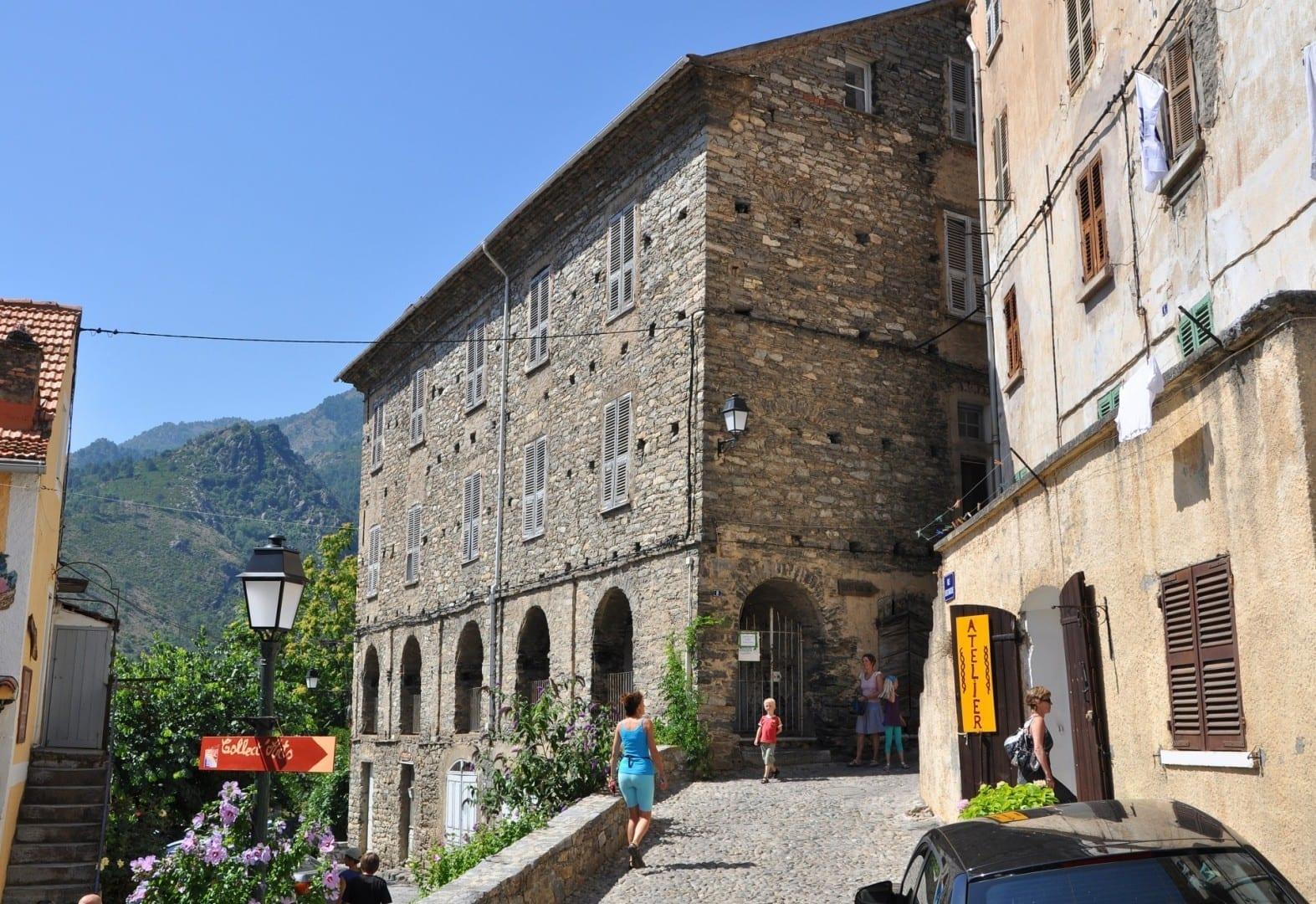 Una casa de piedra en Corte Corte, Corsica Francia