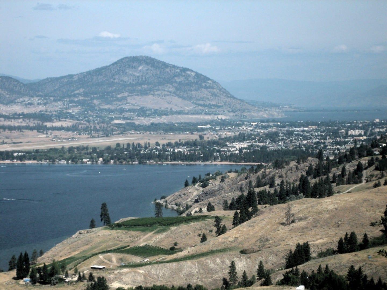 Una vista de Penticton desde el sur-sureste Penticton Canadá