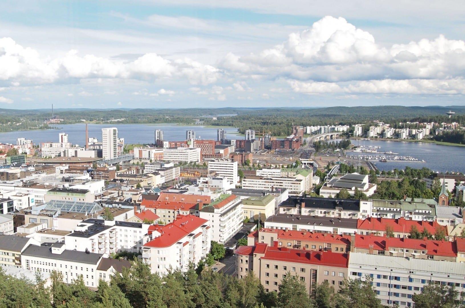 Una vista desde la torre de observación de Harju Jyvaskyla Finlandia