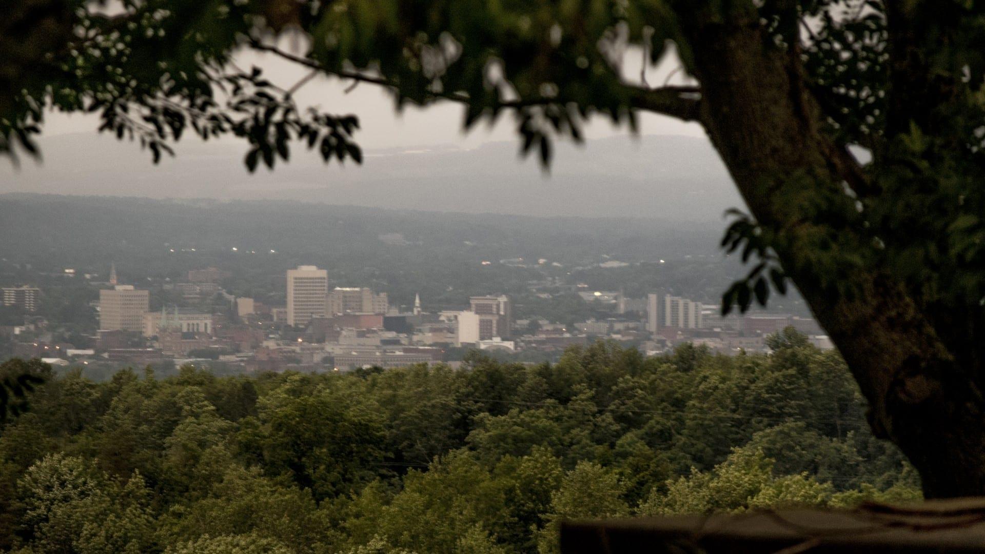Utica vista desde las colinas del sur Utica NY Estados Unidos