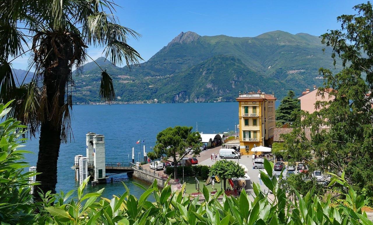 Varenna Puerto Coche Balsea Italia