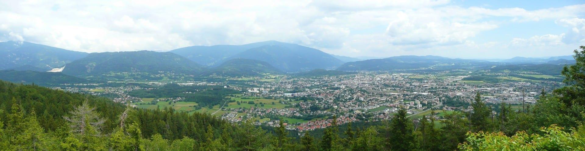 Villach desde el camino alpino de Villach Villach Austria