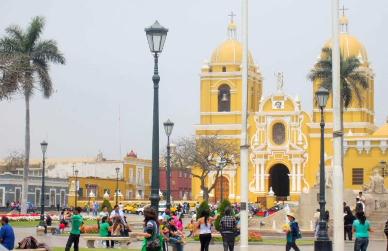Vista de la catedral de la ciudad de Trujillo Trujillo Perú