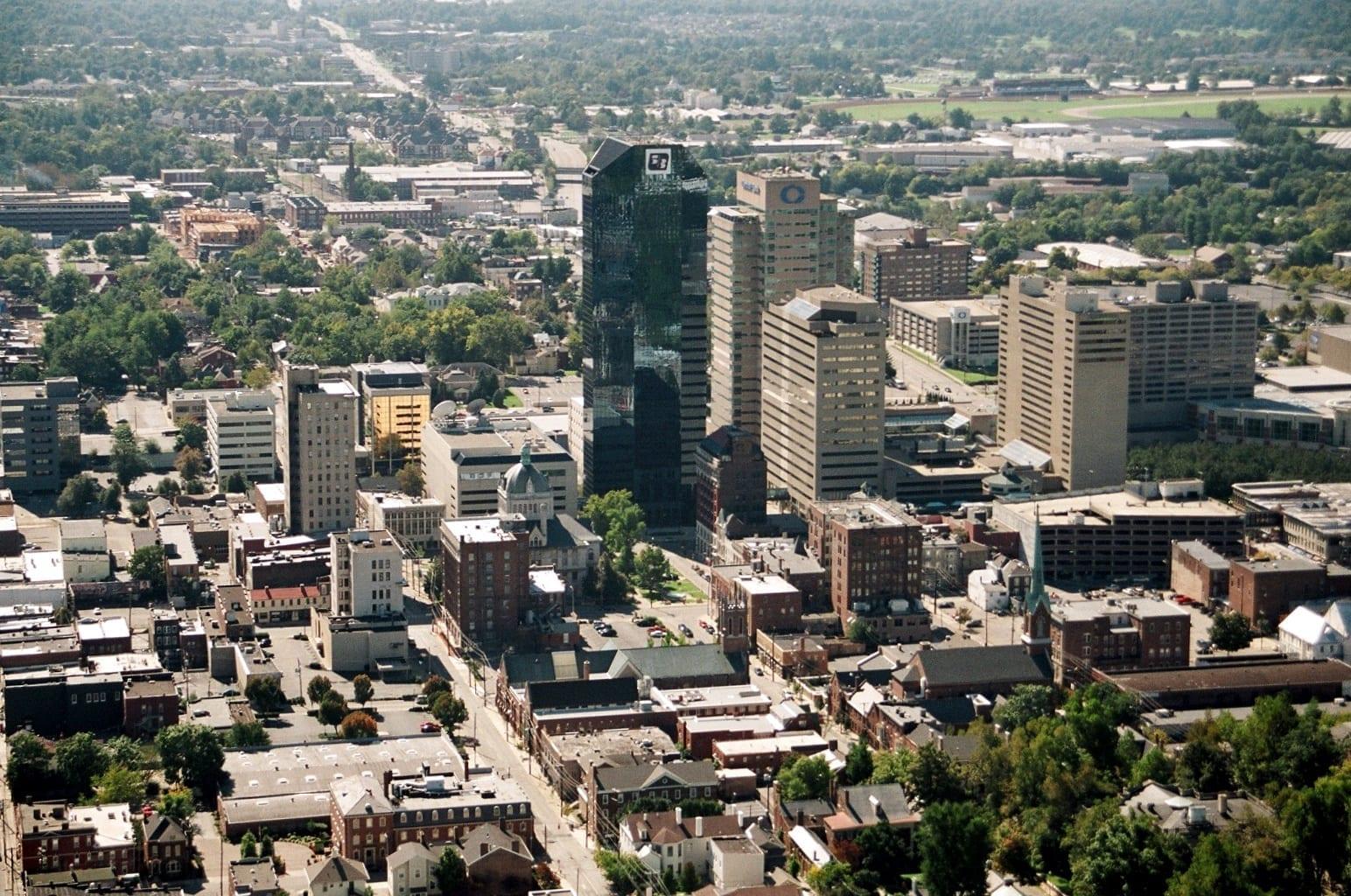 Vista de Lexington tomada desde un helicóptero. Lexington KY Estados Unidos