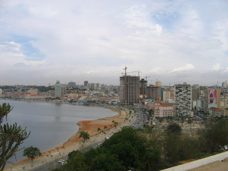 Vista de Luanda, tomada desde la Fortaleza en 2006 Luanda Angola