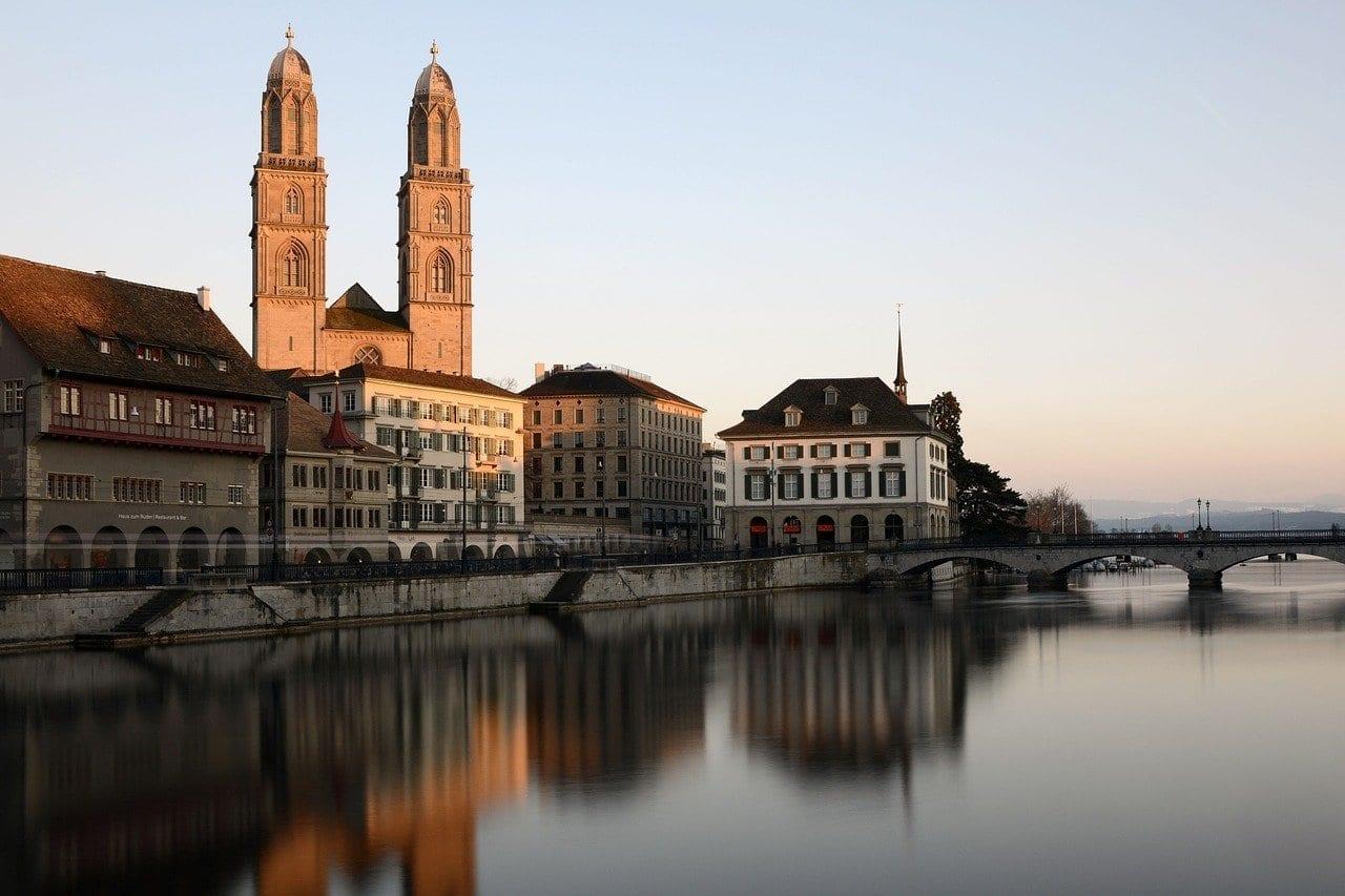 Zurich Grossmünster Torre De La Iglesia Alemania