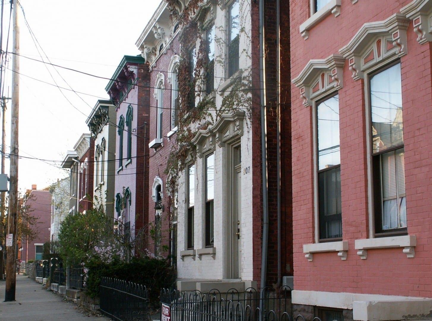 Algunas de las muchas casas italianas bien conservadas de Covington de finales del siglo XIX Covington KY Estados Unidos