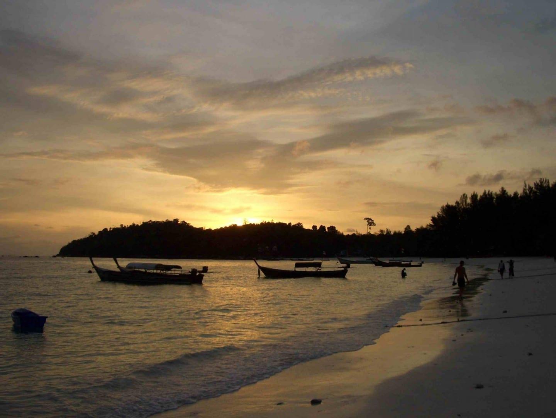 Atardecer, Playa Pattaya en Ko Lipe Koh Lipe Tailandia