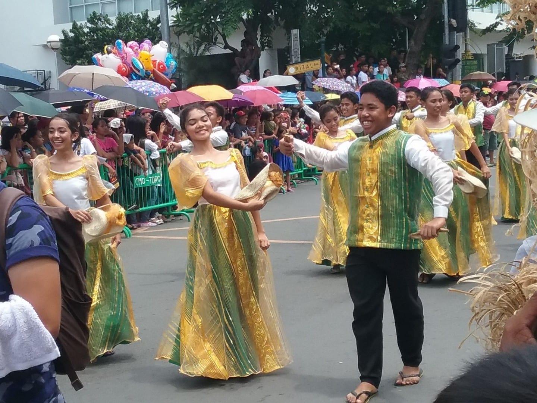 Bailarines Subli en el día de la fundación de la ciudad de Batangas Batangas Filipinas