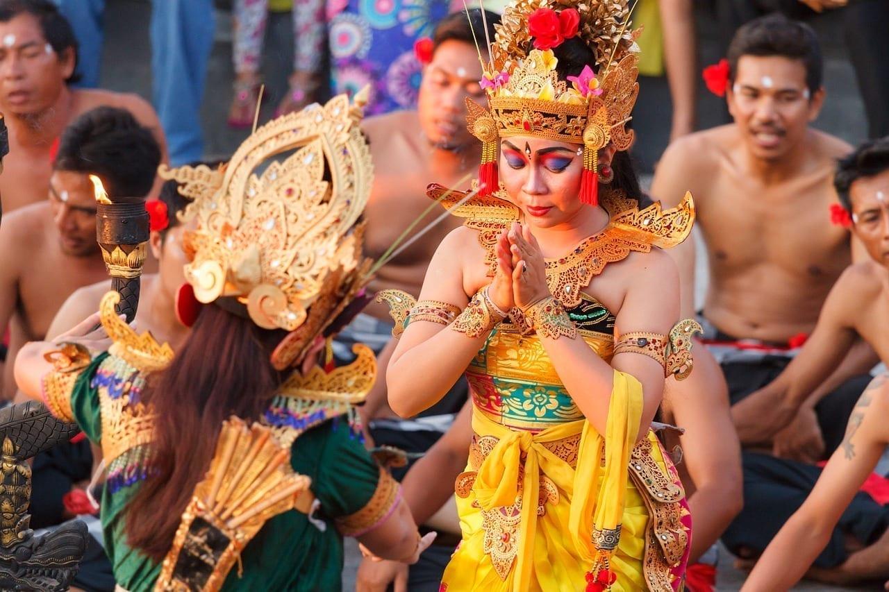 Bali Uluwatu Acto Secundario De Baile Indonesia