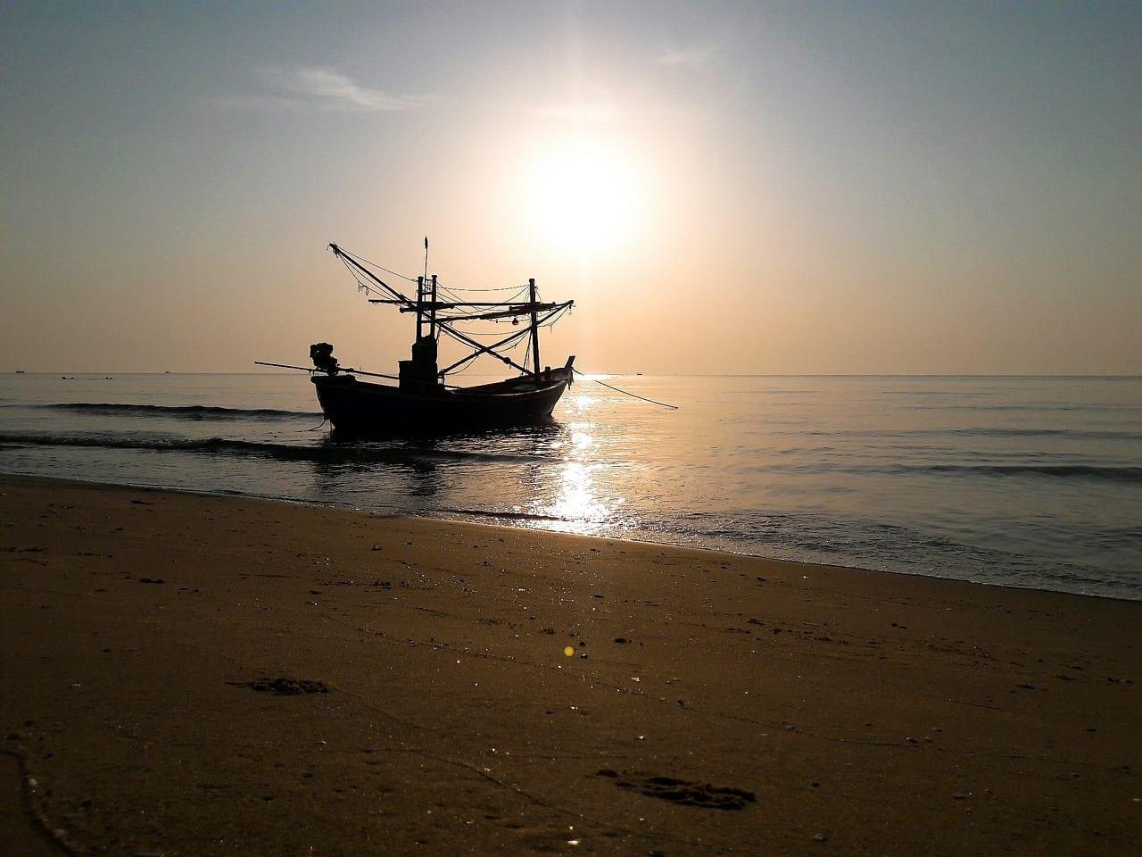 Barco Pranburi Hua Hin Tailandia