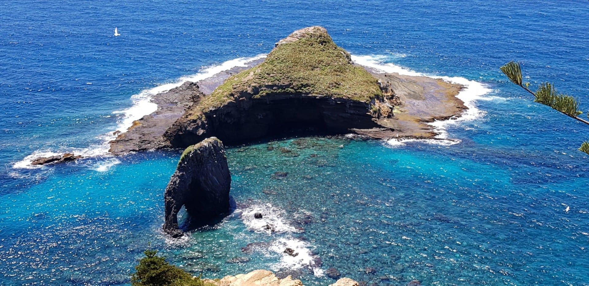 Bird Rock y Elephant Rock Norfolk Island Australia