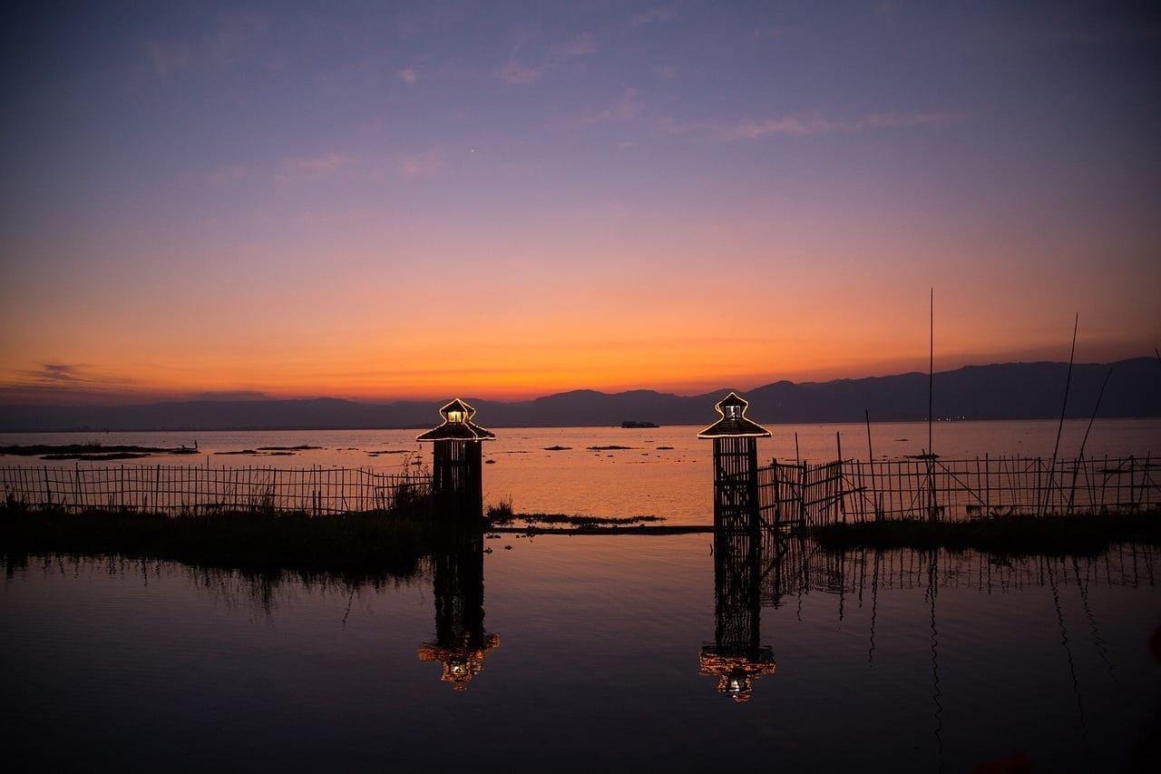 Birmania Lago Inle Puesta Del Sol Myanmar