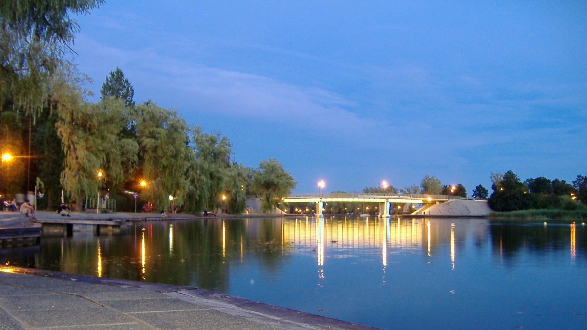Boulevard en Augustów en el Canal de Augustów Augustow Polonia