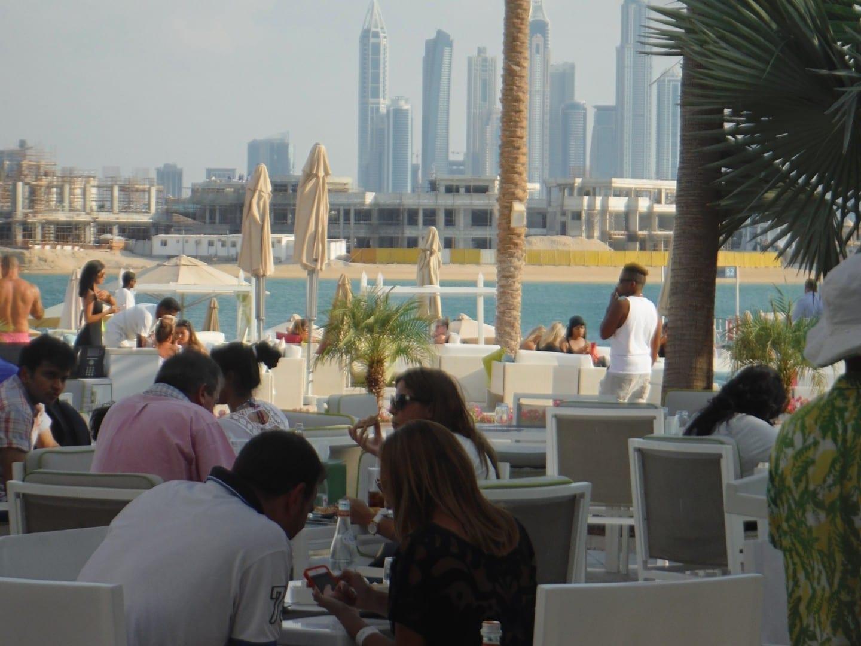 Café en Nassimi Beach Jumeirah Beach Emiratos Árabes Unidos