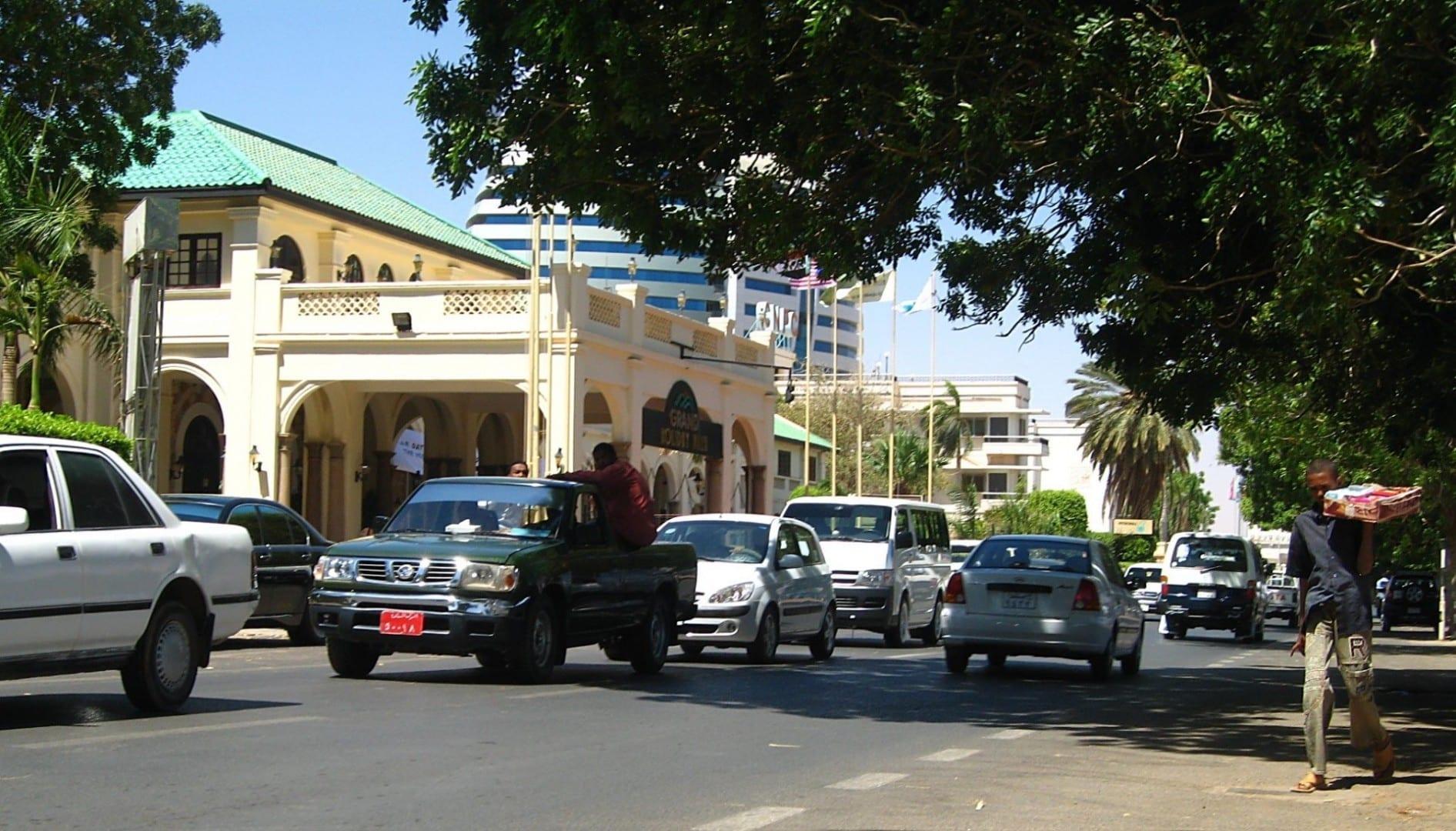 Calle Nilo y la Gran Villa de Vacaciones de Khartoum. Jartum Sudán