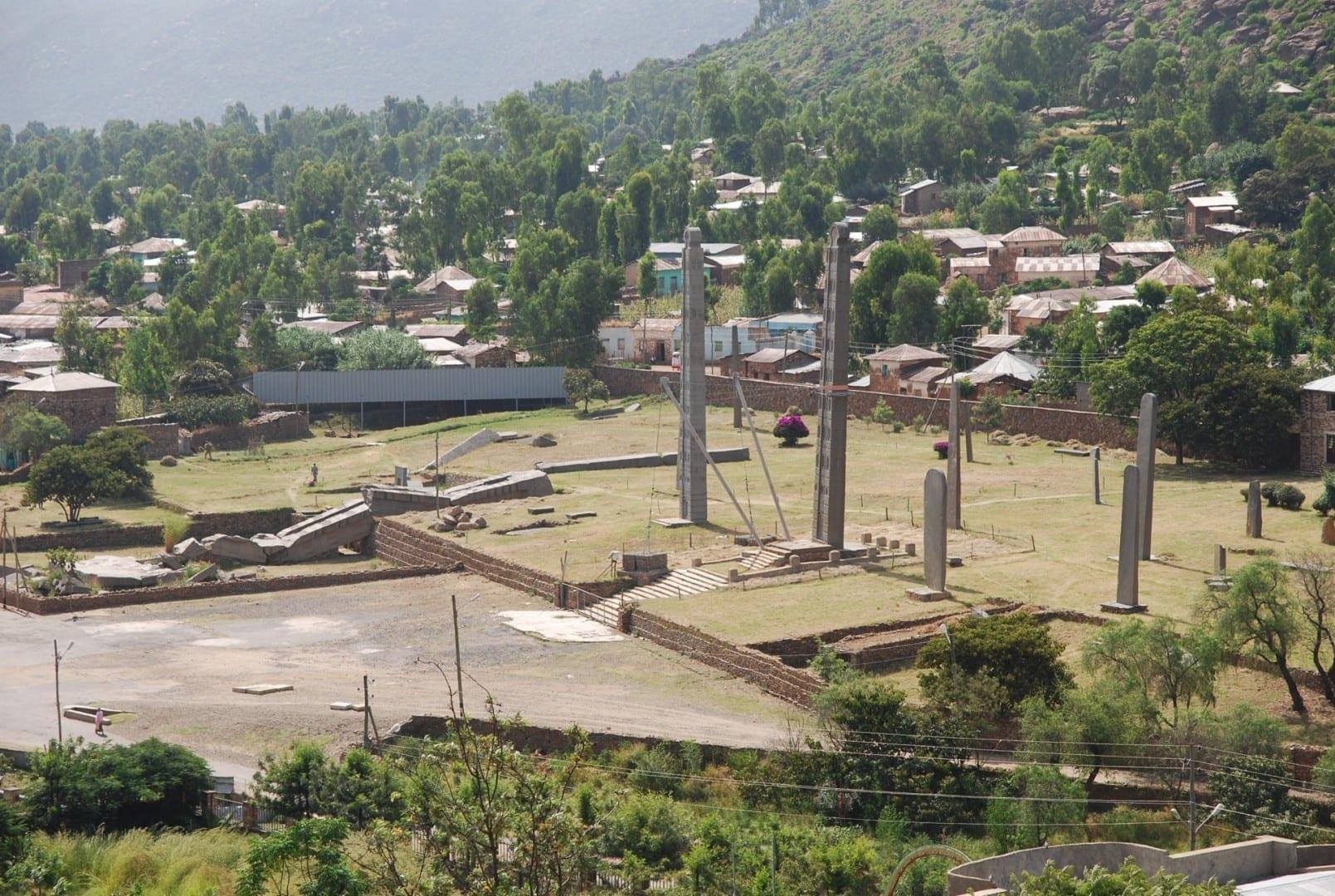 Campo de estelas del norte Axum Etiopía