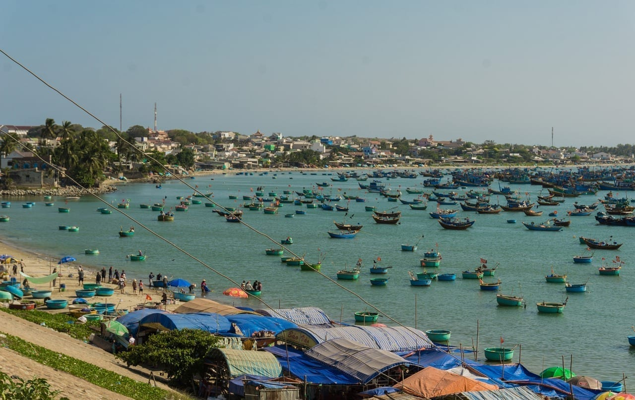 Cargas Barcos Mui Ne Vietnam