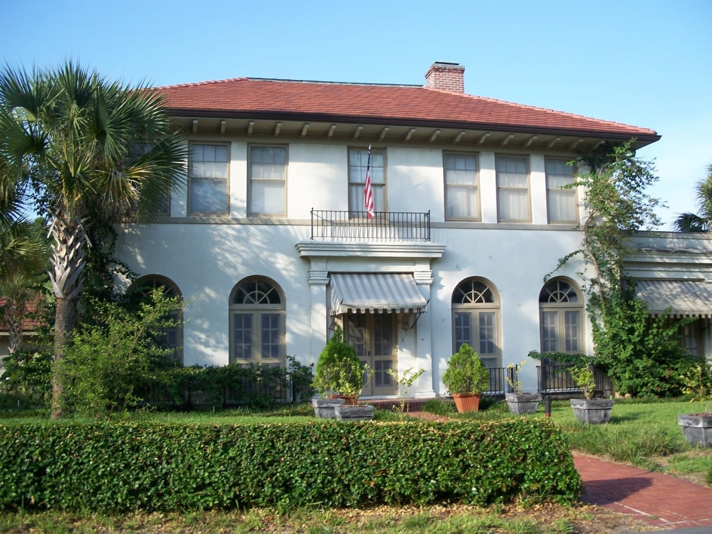 Casa en el Distrito Residencial Histórico de Interlaken, un distrito histórico de EE.UU. Winter Haven FL Estados Unidos