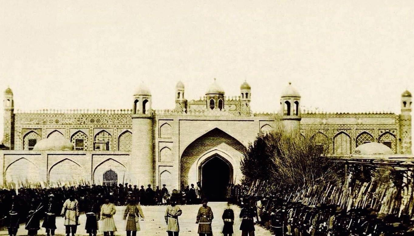 Castillo y Palacio en el siglo XIX Ganyá Azerbaiyán