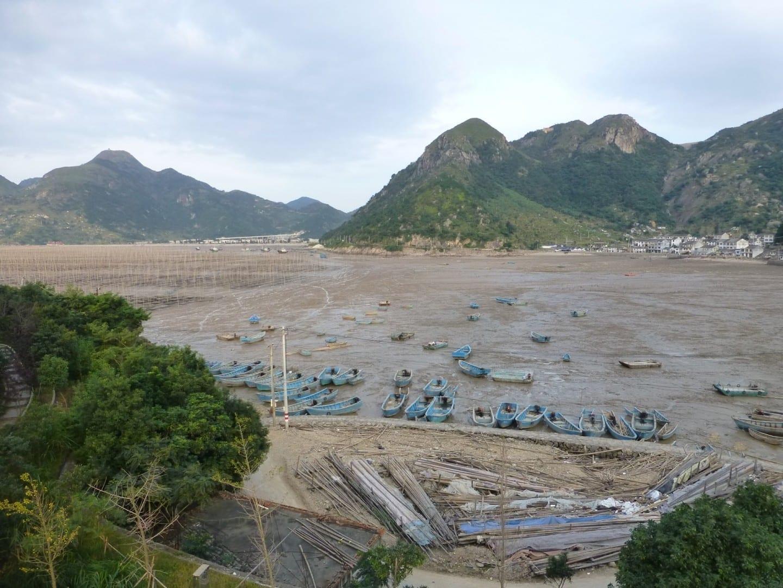 Cerca del pueblo de Yu'ao en la costa de la bahía de Dayu, en el condado de Cangnan. Wenzhou China