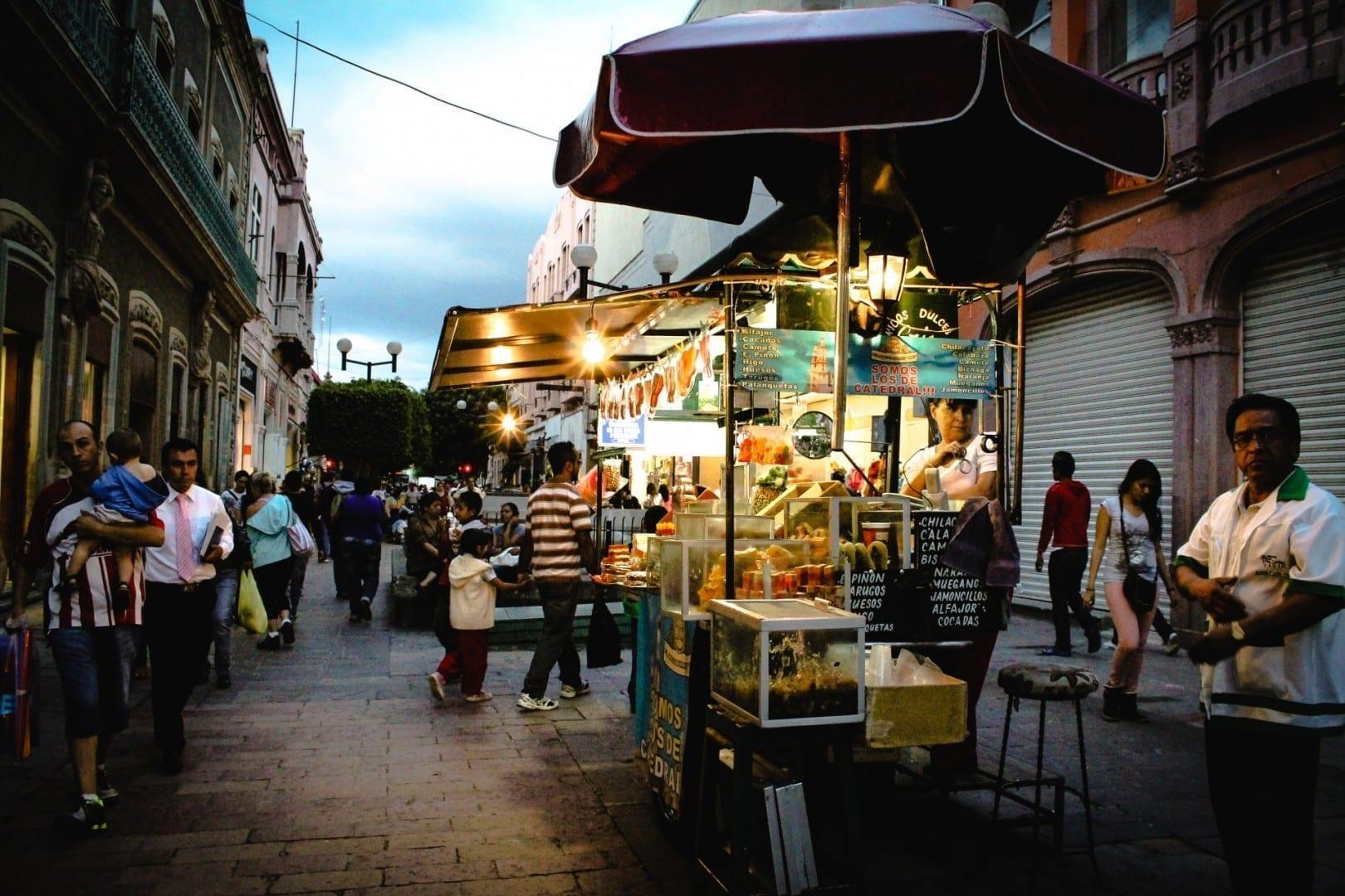 Comida callejera en el Centro Leon México