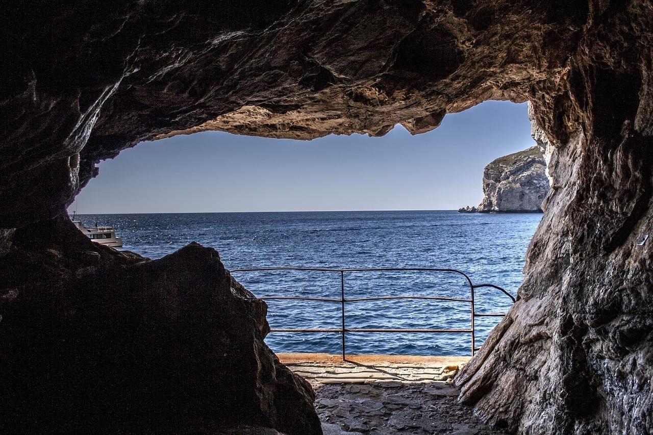 Cuevas Neptuno Capo Caccia Rumania
