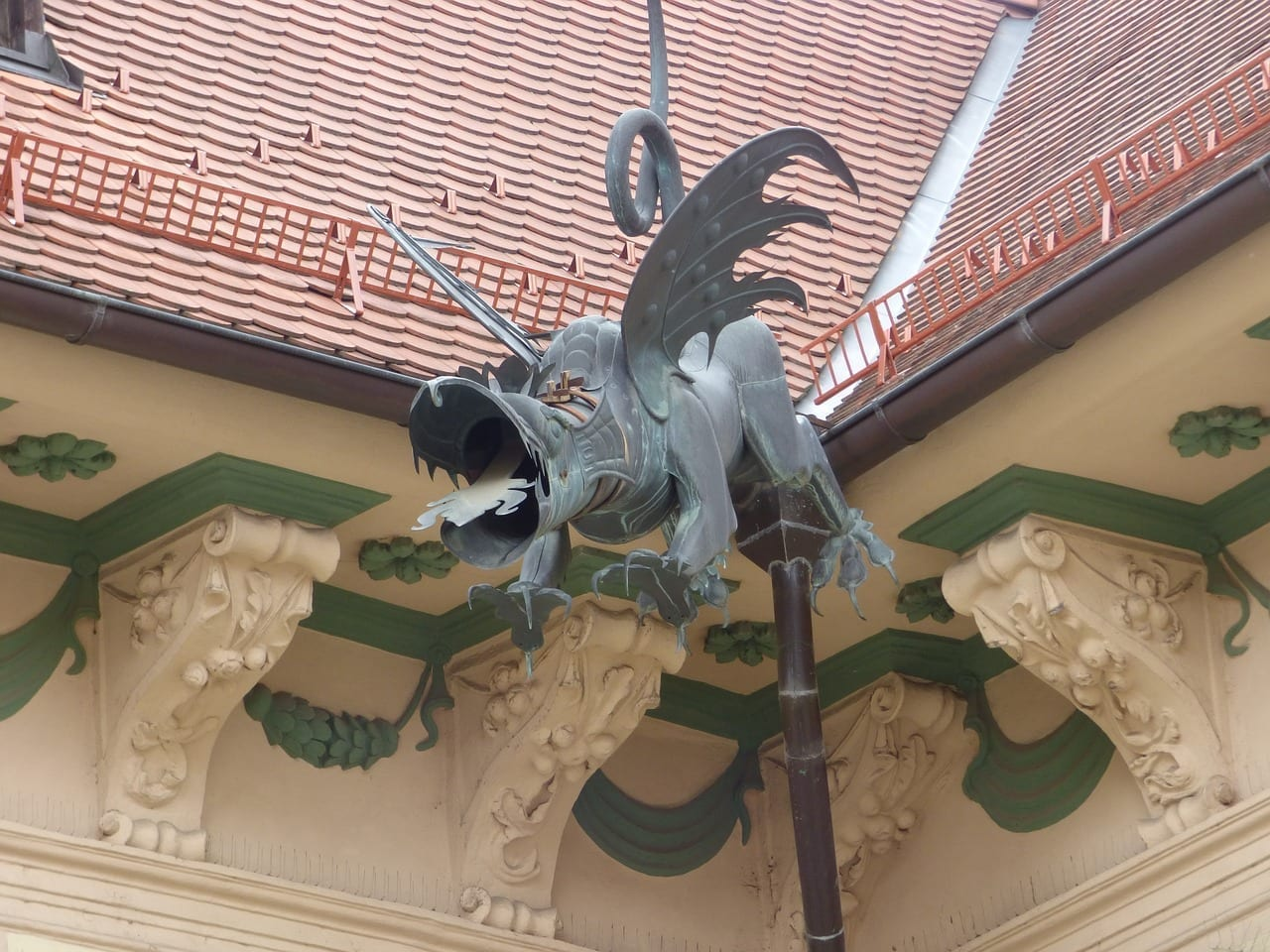 Dragon Alcantarilla Escultura España
