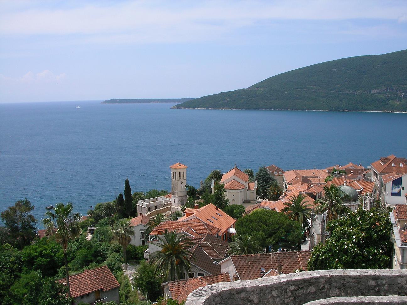 El casco antiguo de Herceg Novi y la bahía de Kotor Herceg Novi Montenegro
