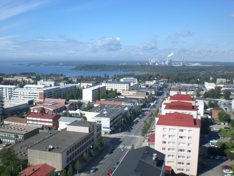El centro de la ciudad de Kemi en el verano Kemi Finlandia