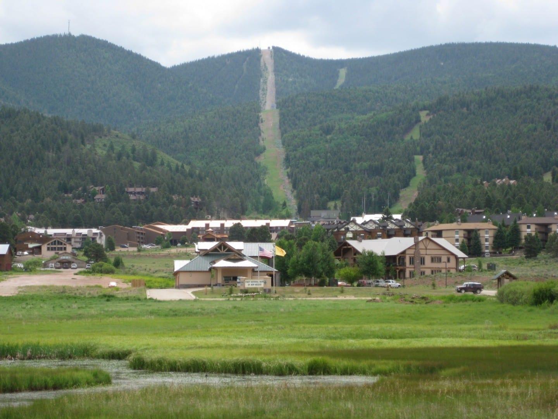 El centro turístico en verano Angel fire Estados Unidos