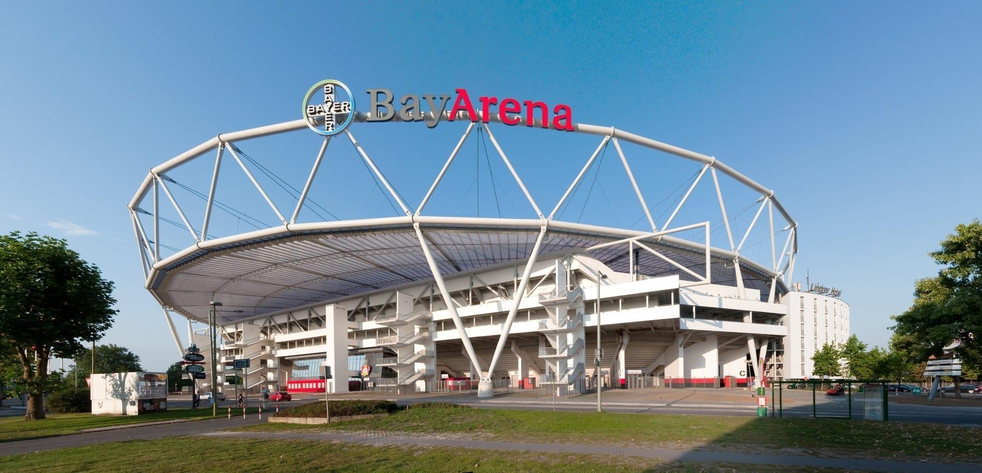 El estadio de fútbol BayArena Leverkusen Alemania