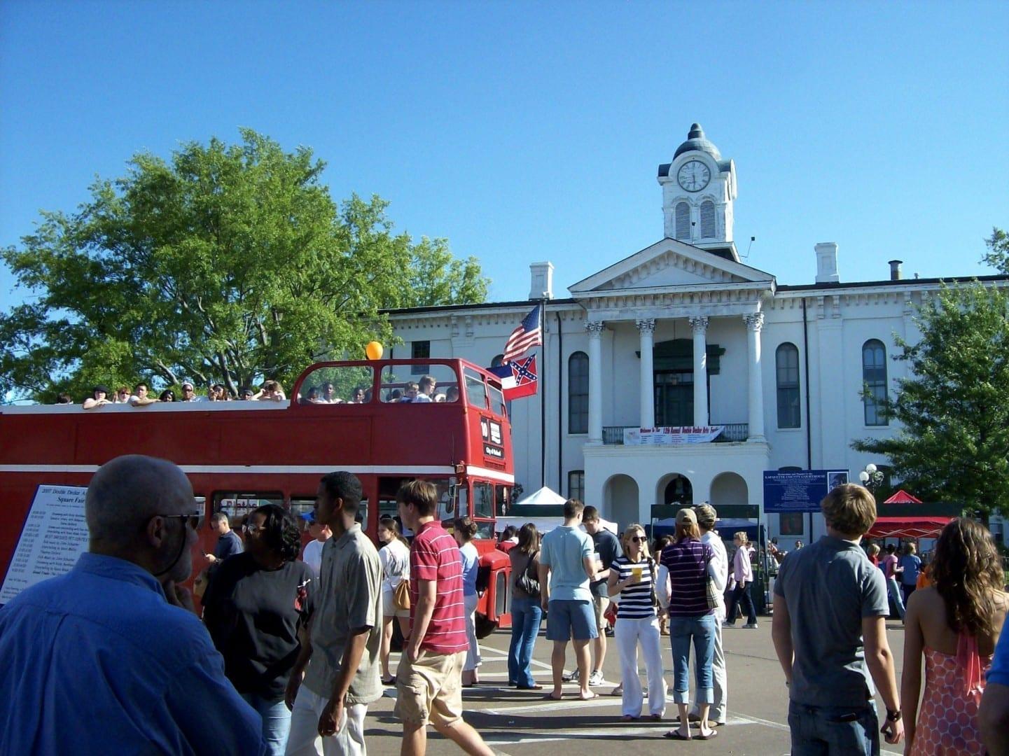 El juzgado de Lafayette durante el Festival de Doble Piso Oxford MS Estados Unidos