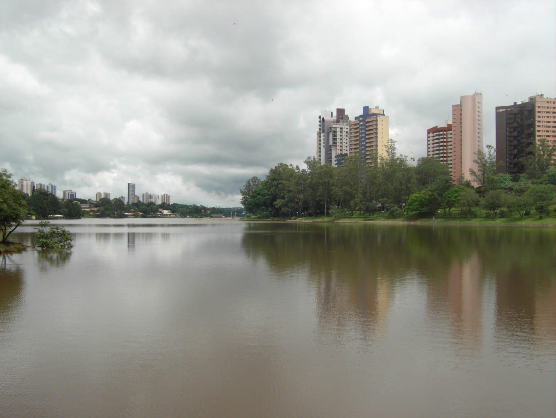 El lago Igapó, en Londrina Londrina Brasil