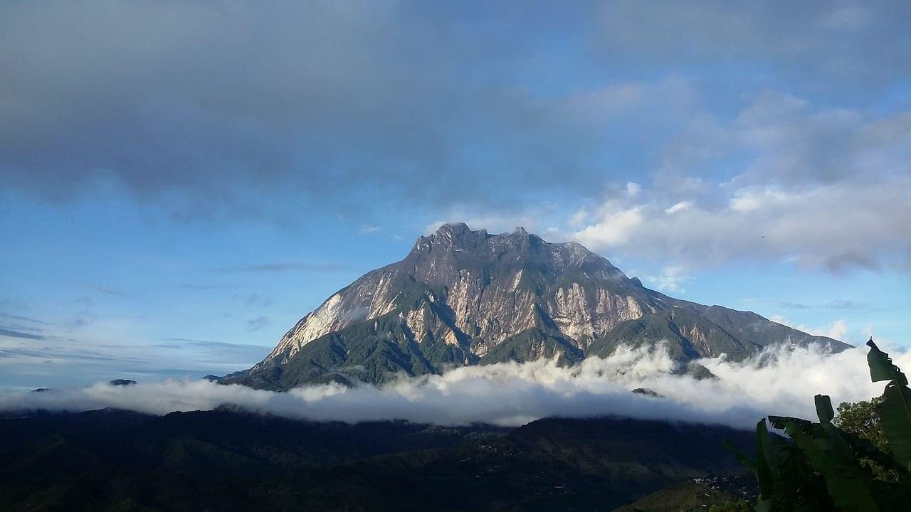 El Monte Kinabalu Montaña Sabah Malasia
