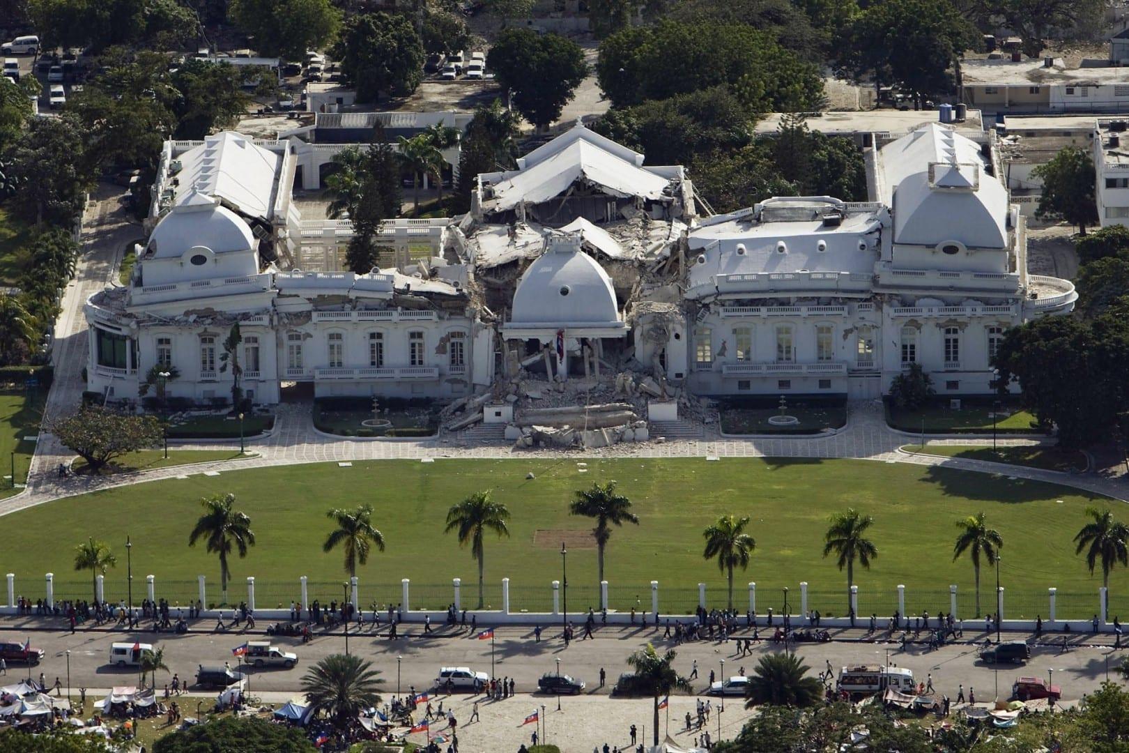 El Palacio Nacional después del terremoto... Puerto Príncipe Haiti