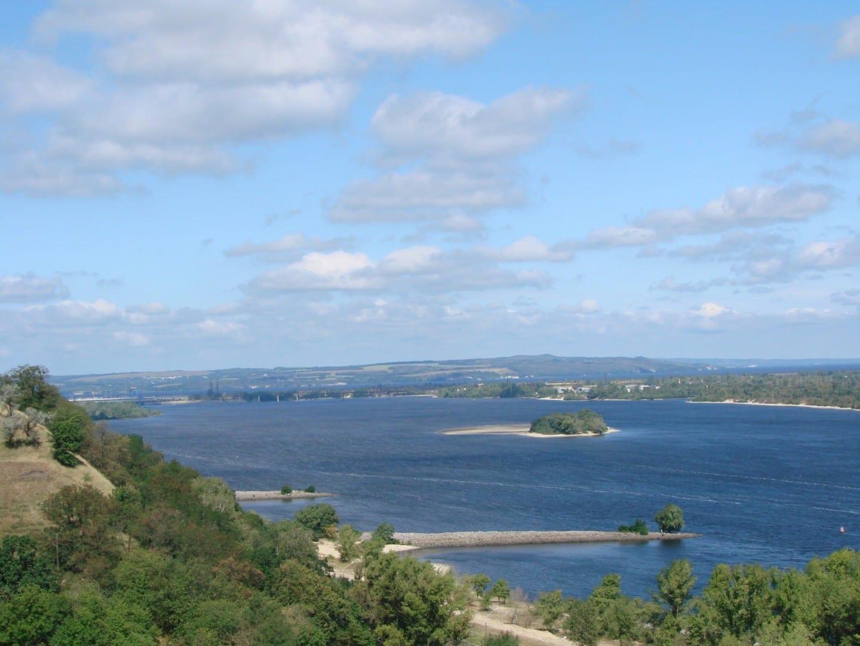 El río Dnieper y el embalse de Kaniv Cherkasy Ucrania