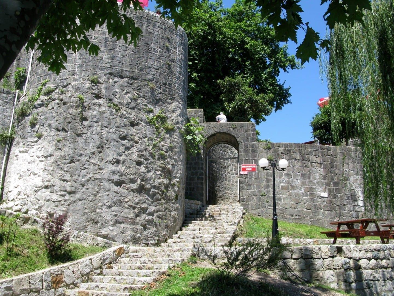Entrada al Castillo de Rize Rize Turquía