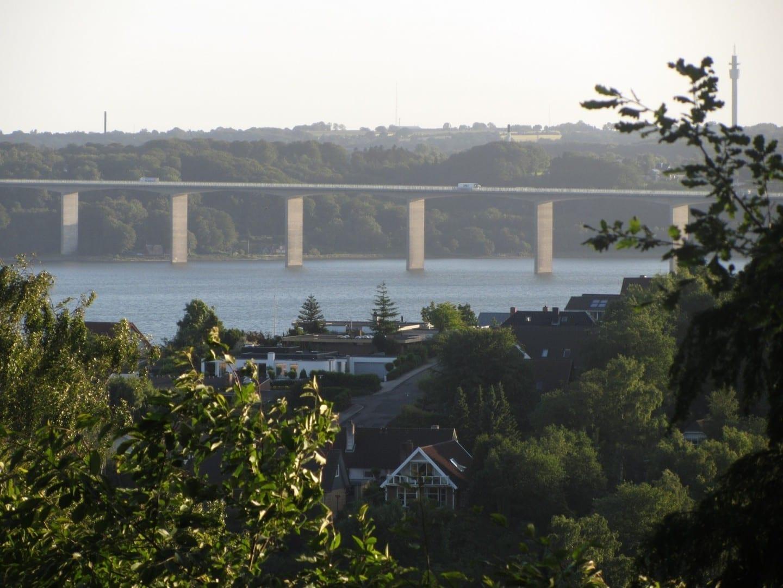 Fiordo Vejle y puente del fiordo Vejle Vejle Dinamarca