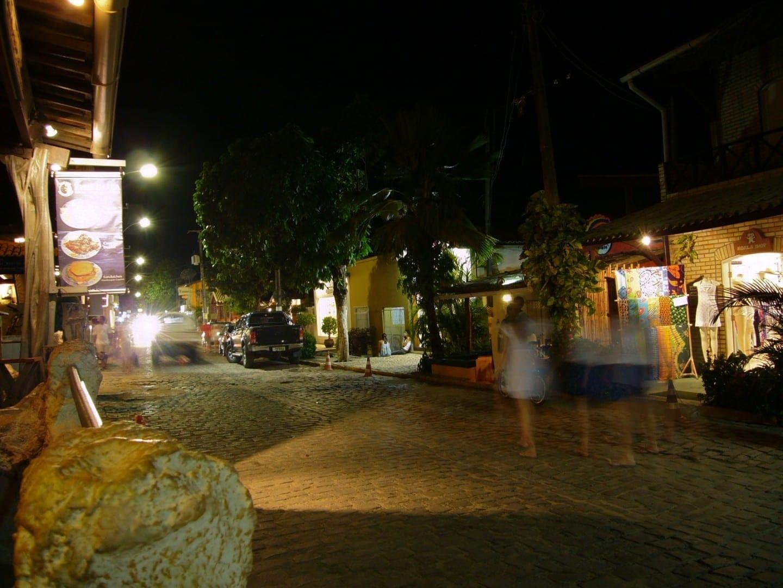 La aldea de Pipa durante la noche. Tibau do sul Brasil