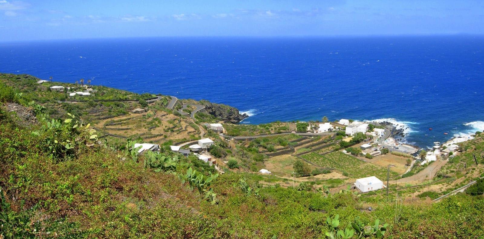 La costa de Pantelleria Pantelaria Italia